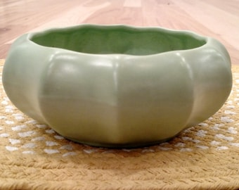 Haeger Bowl/Vase/Planter -  Vintage - Ceramic Pottery USA - Mint Green