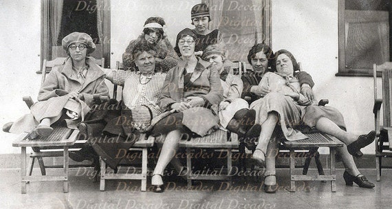 Women On Holiday Cruise Ship S Thirties Girls Single - 1930s cruise ships