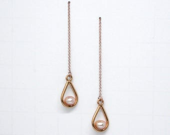 Dangle PEARL Ear Threader Earrings. Freshwater Pearl + Rose Gold plated Drop on Gold Chain. Pearl + Rose Gold plated Teardrop earrings.