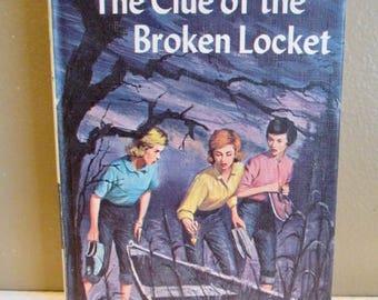 Nancy Drew Mystery-The Clue of the Broken Locket