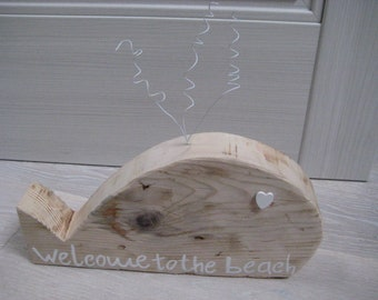 "Raw Wood Whale ""Welcome to the Beach"""