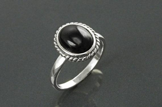 Round Black Antique Ring, Sterling Silver, Natural Onyx Gemstone, Rope Ring, Boho Hipster Ring, Round Stone Ring, Midi Ring, Vintage Ring