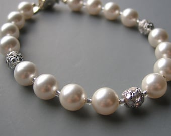 Pearl Bracelet with Crystal Bead Accents in Silver