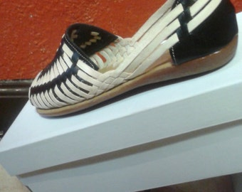 Mexican handmade genuine leather huaraches size 8 black and tan