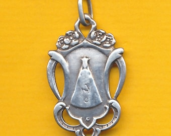 Vintage sterling silver charm religious medal Our Lady of Alsemberg (ref 1339)