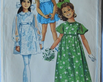 Simplicity 8175.  Vintage 1969 girls dress pattern.  Flower girl dress pattern.  First Communion dress pattern.  Empire waist dress.  SZ 10.
