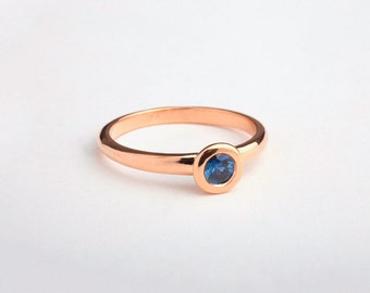 Round Solitaire Ring, 18k Rose Gold Round Sapphire, Ceylon Sapphire Ring, Simple Engagement Ring,Round Bezel Ring,Sapphire Ring