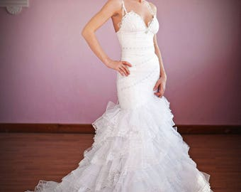 White Chantilly Lace Wedding Dress. Ruffle Wedding Dress. Mermaid Bridal dress. Sweetheart Wedding Dress. Fluffy Wedding Dress.Free Shipping