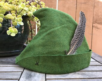 Hunter Green Peter Pan Hat with Spotted Feather