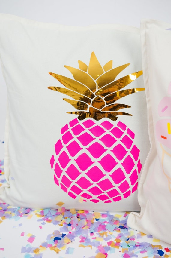 pillow pm hills screen angelina products white shot pineapple vintage black at