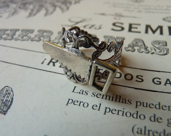 Saw Gothic Ring