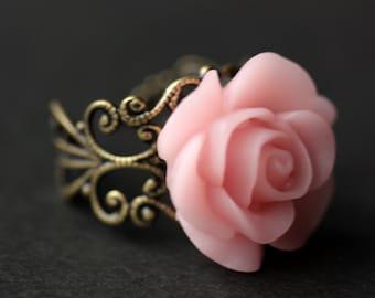 Bague rose de Rose. Bague fleur rose clair. Bague en or. Bague en argent. Bague en bronze. Bague en cuivre. Bague réglable. Bijoux faits main.