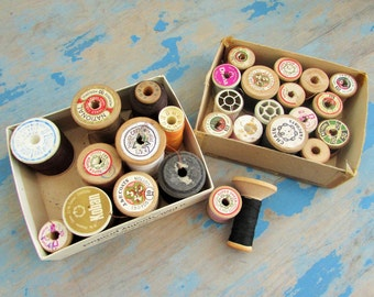 lot of vintage thread spools