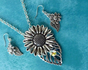 32inch Sunflower/Daisy Necklace and earrings