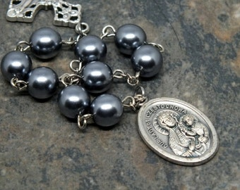 Our Lady of Czestochowa Niner Chaplet of Czech Glass Pearl Dark Silver Beads; Saint Chaplet; Mary Chaplet; Catholic Chaplet