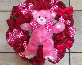 Teddy bear valentines wreath