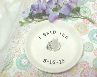Personalized Engagement Ring Holder, Mr Mrs Jewelry Storage, Wedding Ring Holder, Gift for Bride Names, Pottery Ring Bowl, Made to Order