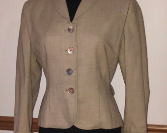 1940s Hourglass suit coat.  Wool Blazer by Mondrow Maureen Cloak Co 3 leaf clover buttons. Bust 40.  Taupe.  VFG tan. Pick stitching