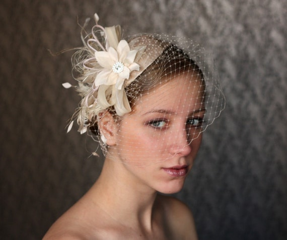 Vintage Wedding Hairstyles With Birdcage Veil: BIRDCAGE VEIL Vintage Style Wedding Headdress. Champagne