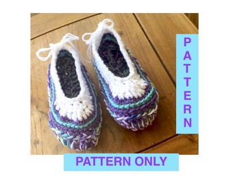 Crochet pattern womens slippers, pdf download, house slippers, womens shoes, crochet pdf pattern, adult shoes, womens house slippers