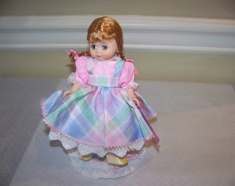 "Susanna--  Madame Aexander 8 inch doll with custom stand""Dolly dears series"""