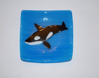 Whale fused glass plate