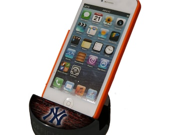 New York Yankees Cell Phone Stand - Indestructible Phone Holder - for all Iphone / Samsung / Android mobile phones - Made from a Hockey Puck
