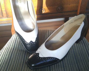 Vintage 1980s black and white spectators, lower heel, size 9.5N