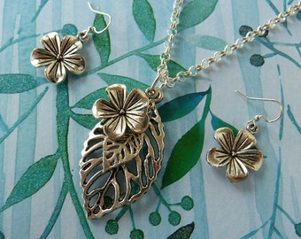 32inch Flower & Leaf Necklace with Coordinating Earrings