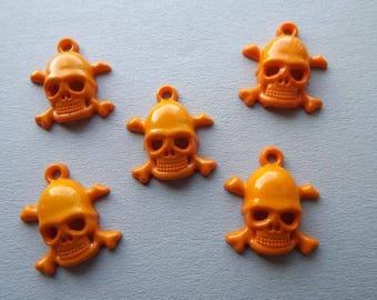 Charm skull orange acrylic (x 5)