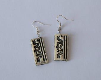 Ceramic rectangular print flower, black enamel earrings