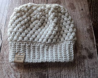 Messy bun beanie, Crochet messy bun beanie, Top Knot Beanie, Bun Hat, Crochet Bun Hat, Ponytail Beanie, Ponytail Hat, Messy Bun Hat, linen