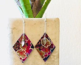 Dangle Drop Flowers and Leaves.  Leather and Silver Dangle Earrings