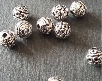 10, 40 or 100 Antique Silver Tone 8mm Metal Ball Beads Patterned
