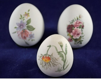 Hand Painted Ceramic Eggs from Womack's Collectibles