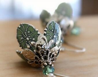 Green Flower Earrings, drop earrings, green earrings, Gift For Her, Gift For Wife, Gift For Girlfriend, Wife Gift, Christmas Gift