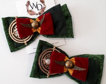 Hogwarts For The Holidays Wearable Art Bow