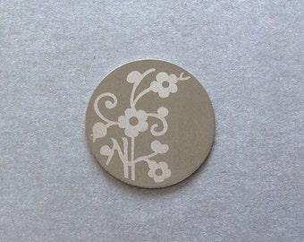 Pretty Flower Stainless Steel Floating Locket Plate - 22mm