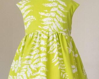 Vintage floral pocket dress/ green dress/ twirl dress/ spring dress