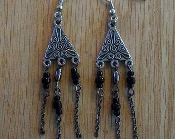 Triangle dangled earrings