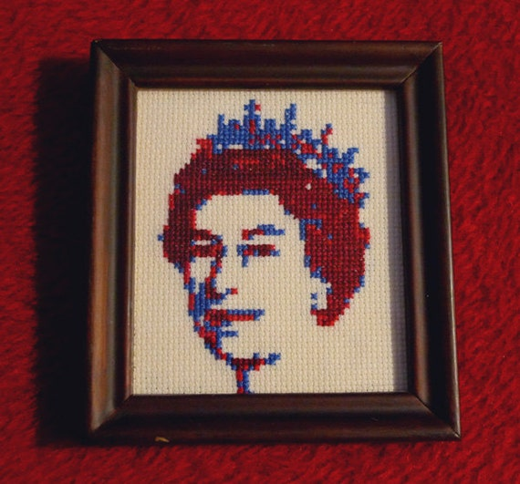 Her majesty the Queen Elizabeth · British Cross Stitch Art