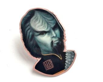 Worf - special edition Star Trek fan art offset enamel pin brooch by Mab Graves