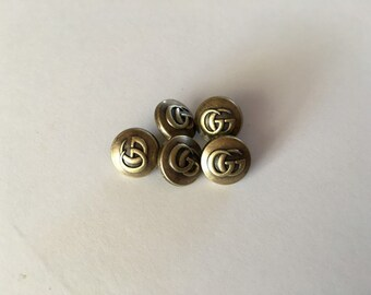 5 Gucci buttons ring charm