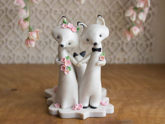 Arctic Fox Wedding - White Wedding Cake Topper - Winter Wedding by Bonjour Poupette