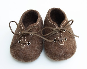 Felted baby slippers, Pram shoes, Organic wool booties, Handmade in Hungary, Newborn photo prop, Baby fashion, Boy's Christening gift,