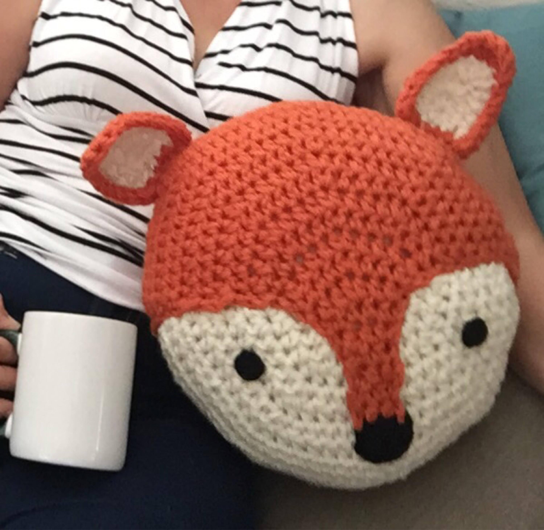 Crochet fox pillow zoom bankloansurffo Choice Image