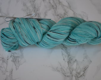 "Skein / yarn hand dyed ""winter's night"" / Wool and Nylon / sock yarn"