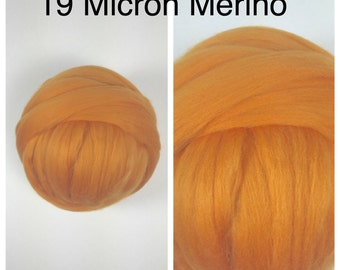 Apricot Merino Superfine Top / 19 Micron Merino Roving / Yellow Orange Merino Felting / 2oz 4oz 8oz