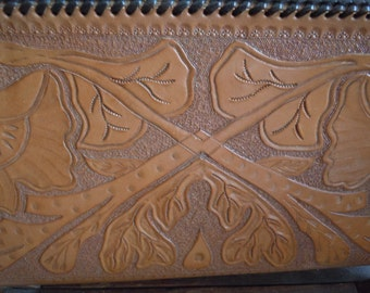 Vintage Mexican Tooled Leather Clutch Purse