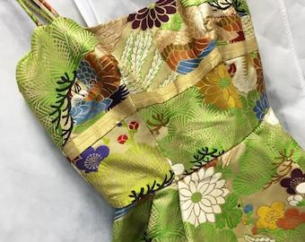 Stunning Pauline Lake brocade gown